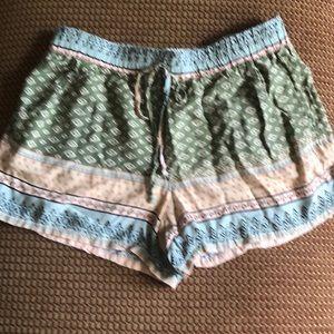 Boho Shorts EUC